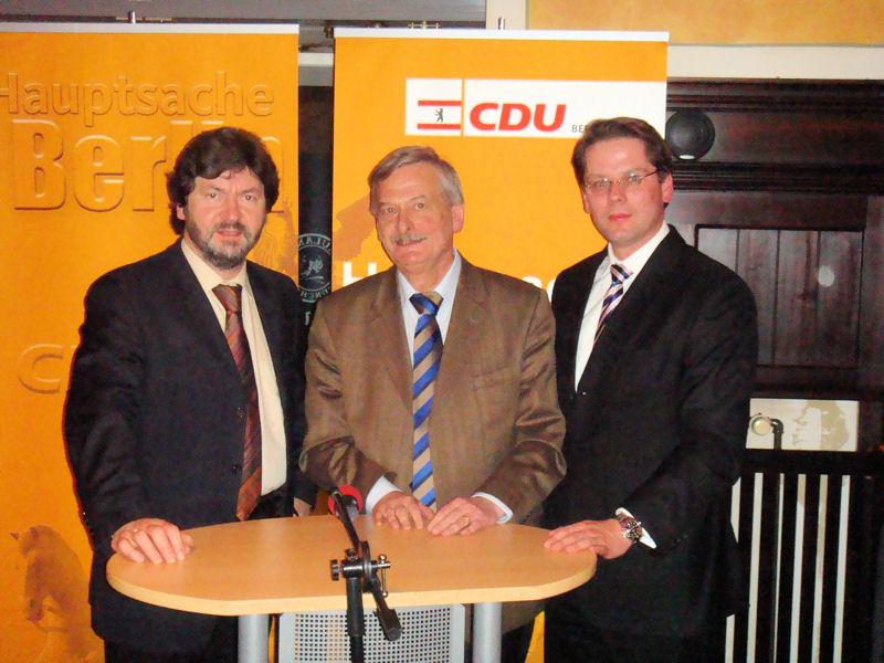 v.l.n.r.: Joachim Zeller, Volker Liepelt und Dr. Christian Burholt